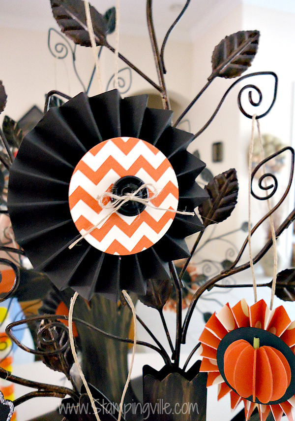 Simple Rosette Ornament for Decorative Halloween Tree