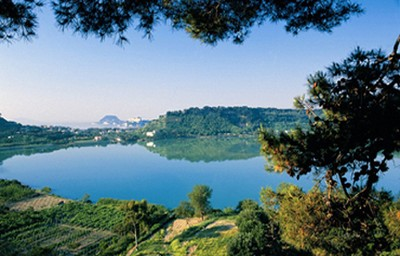 S campania ndo il lago d 39 averno for Lago lucrino