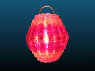 lanterne chinoise réalisée en scoubidou