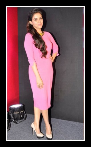 Asin in Pink Dress