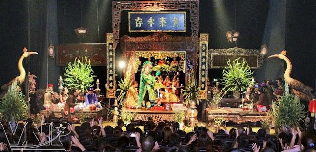Chau Van Singing
