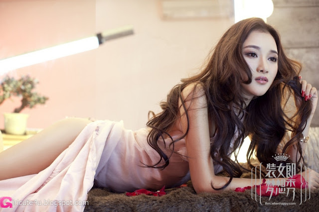 1 FHM installed girl- white bubble bath-very cute asian girl-girlcute4u.blogspot.com