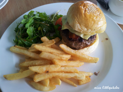 Simply Privé Burger
