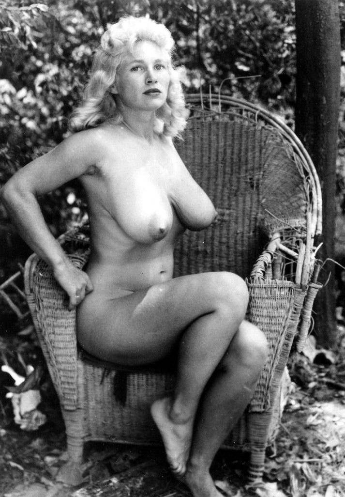 Virginia Bell Busty Vintage Retro Clip -