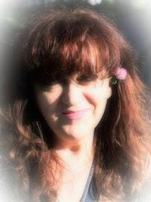 Intervista alla scrittrice e poetessa Lucia Lanza