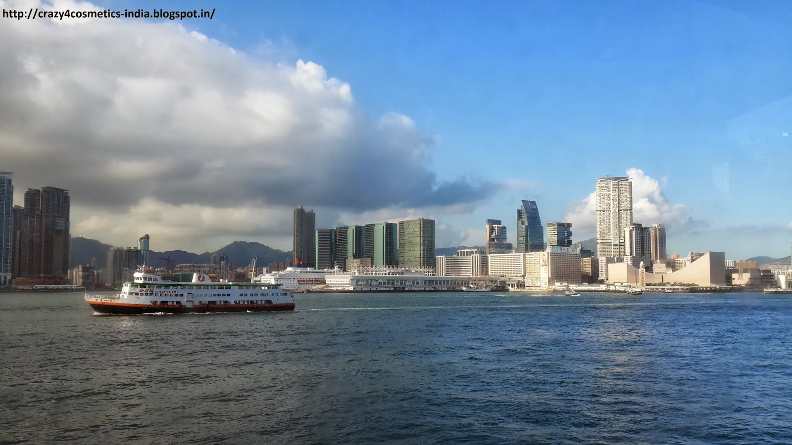 Victoria Harbour Ferry Hongkong
