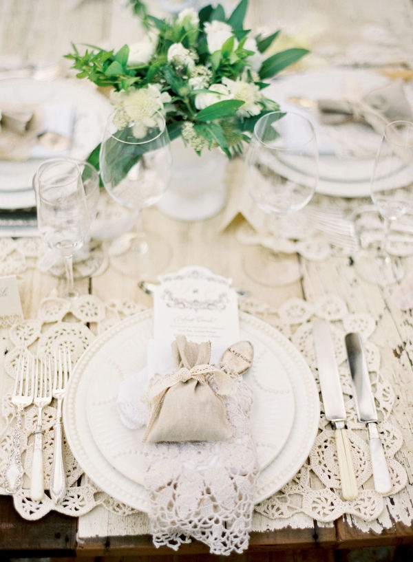 Bobka Baby and Bridal: Elegant Table Settings For An Elegant Wedding