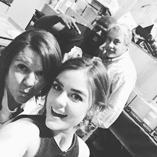 PLL BTS 6x19 Lucy Hale with crew