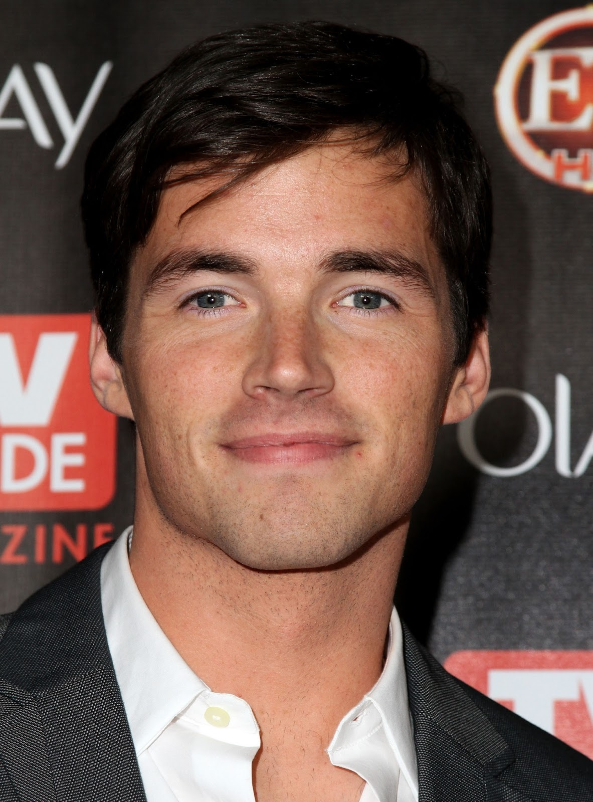 ezra fitz dating Ian harding plays ezra fitz, aria's hunky teacher and former lover on pretty little liars the actor is just as appealing off-screen as he is on-screen.
