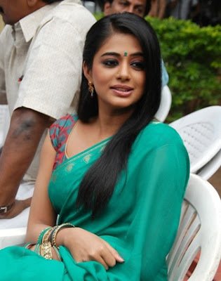 Priyamani Latest   Saree P os