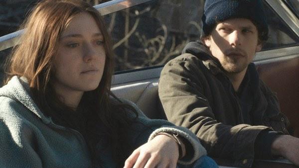 Dakota Fanning and Jesse Eisenberg in Night Moves