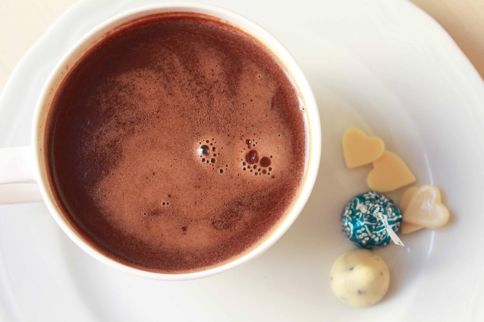 Sıcak Çikolata Nasıl Hazırlanır