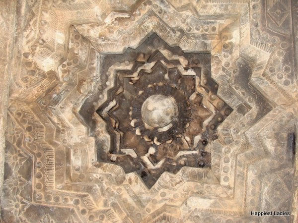 ceiling designs at Belavadi temple