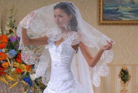 Фотографии невест с букетами