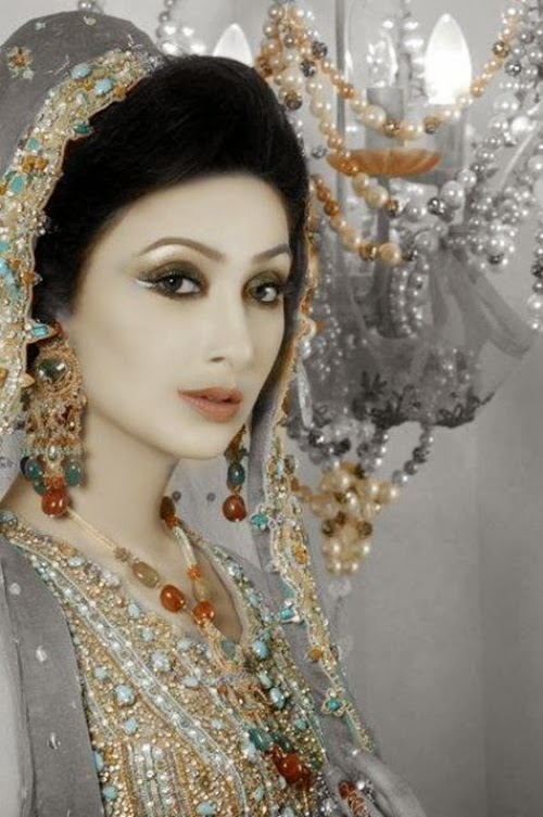 http://www.funmag.org/pictures-mag/pakistani-celebrities/glamours-pakistani-actress-ayesha-khan-photos/