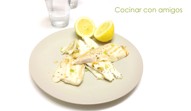 Gallo a la plancha con ajos tiernos cocinar con amigos for Cocinar con 5 ingredientes