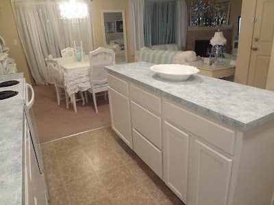 Giani Countertop Paint Veining : think I did a good job around the edges of the sink, I thought this ...