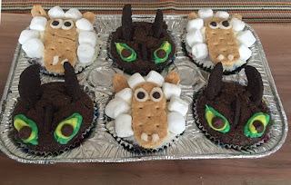 how to train your dragon toothless cupcakes toddler birthday party