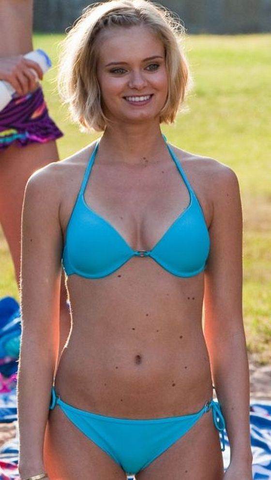 Sara Paxton Bikini Pictures Cool Photos