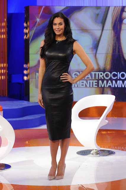 Ladies leather gloves xl - Leather Leather Leather Blog Megan Gale Leather Dress Uhq
