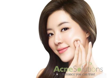 Chăm sóc sức khỏe tốt khi da bị mụn và thâm