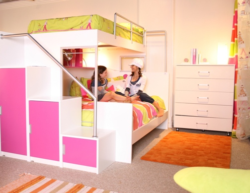 Cool Teenage Girls with Bunk Beds 503 x 389