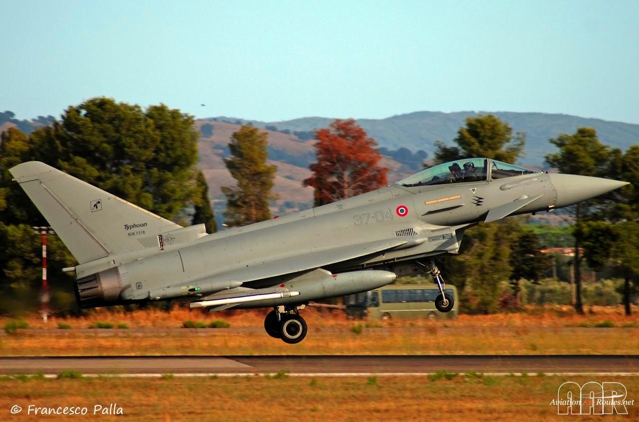 Aereo Da Caccia Efa : Decollo eurofighter ° stormo caccia gioia del colle youtube
