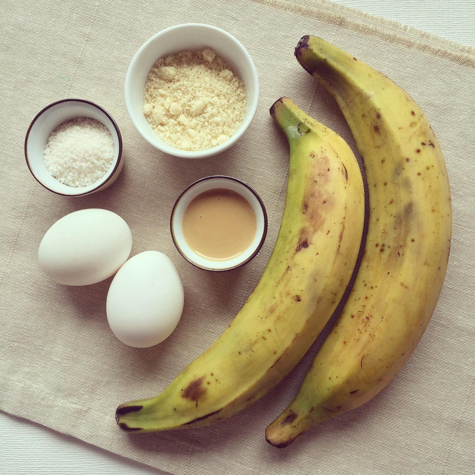 P te pizza aux bananes plantain amandes tapioca - Cuisiner des bananes plantain ...