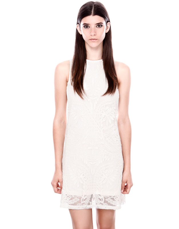 dantel desenli beyaz elbise kısa