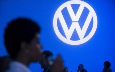 Manager Magazin: Σχεδιάζει «πάγωμα» προαγωγών η VW