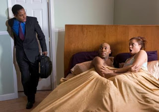 اعترافات زوجة خائنة : خنت زوجي لكن أحبه دلوني