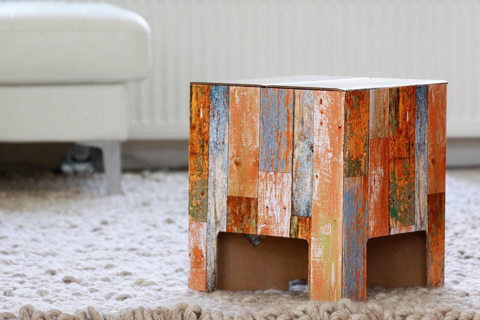 Furniture made of cardboard - a revolution in interior design 80