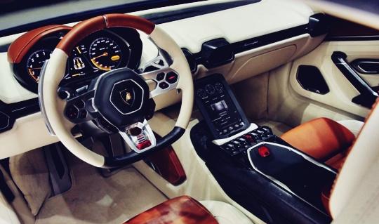 2017 Lamborghini Asterion Interior