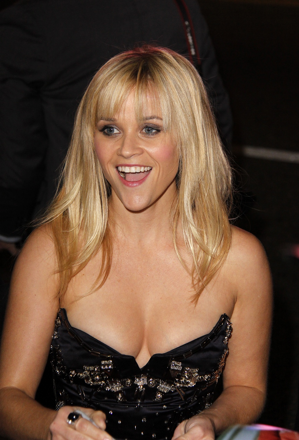 reese_witherspoon_boobs_out_7.jpg Reese Witherspoon
