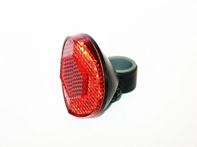 自転車の 反射板 自転車 取り付け : 反射角度に癖が有るので、光源 ...