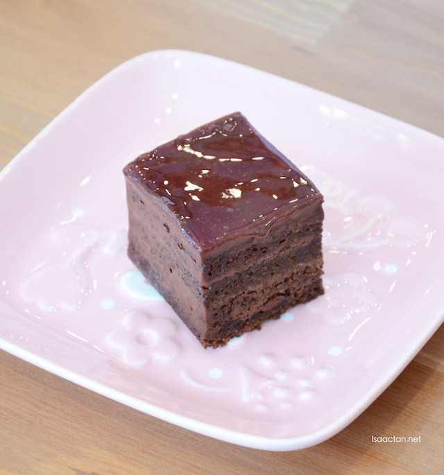 Choco Full Option - RM18 per slice, RM120 for whole cake