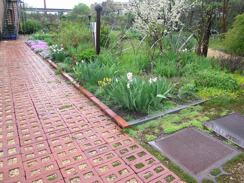 Brick Laminate Picture: Brick Gardens