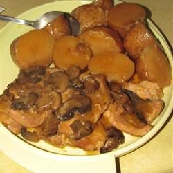 PORK CHOPS WITH MUSHROOMS AND POTATOES