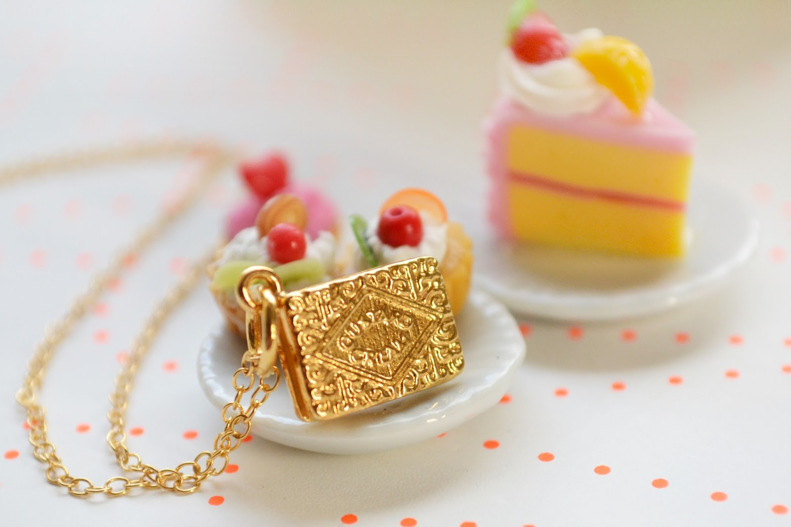 quirky jewellery, cute jewellery, food theme jewellery, biscuit necklace