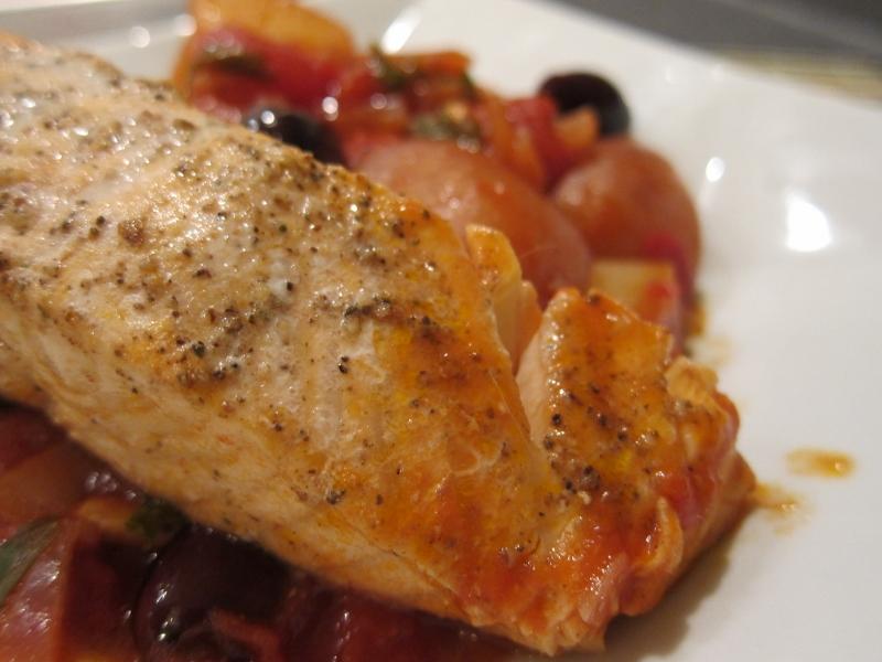 Belle's Baking: Salmon & Potatoes in Tomato Sauce