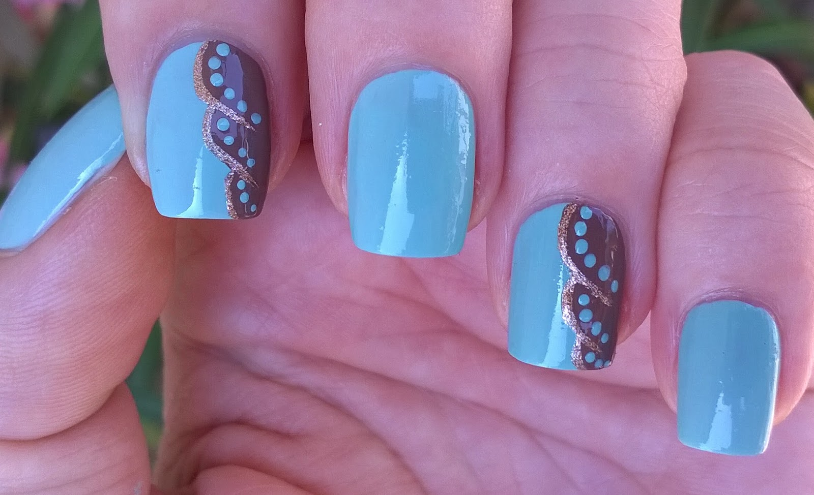 Life World Women: Elegant Blue-Brown-Gold Nail Art / Easy & Cute ...
