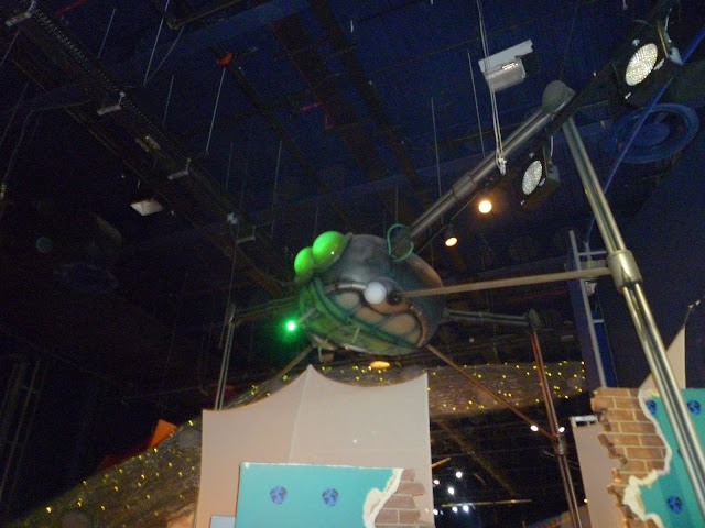 war of the worlds tripod sci fi at leicester space centre via lovebirds vintage