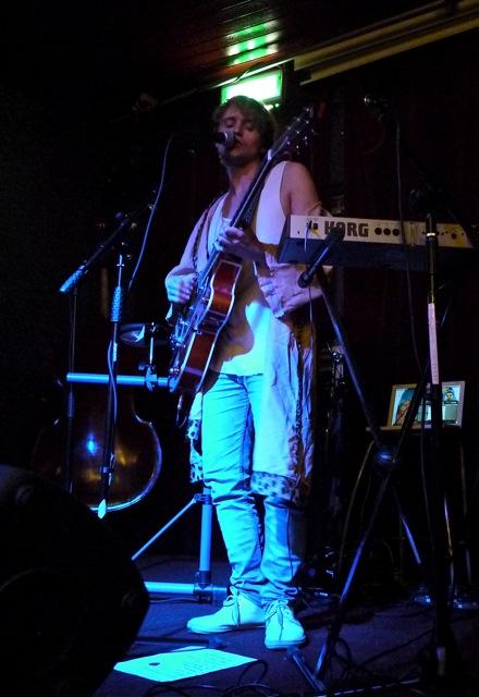 Bradis - Midsommarnattsdrom (Live Nyhetsmorgon 2012)