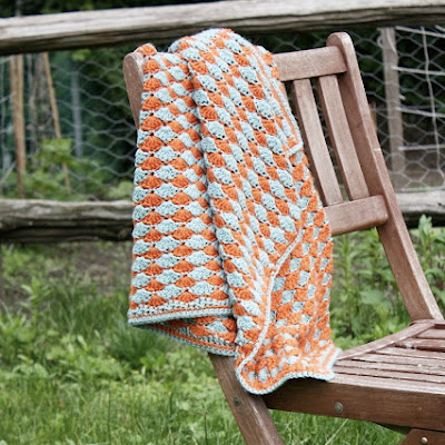 free crochet pattern reversible shell baby blanket