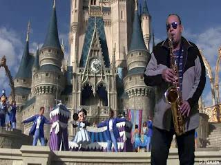 Maravilloso este mundo con saxofón tenor