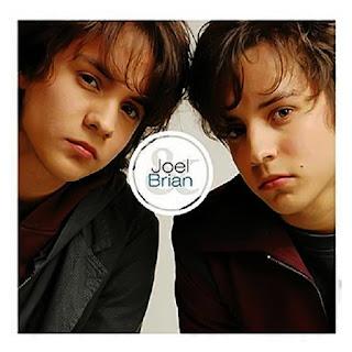 Letra de Con los ojos de mi alma - Joel y Brian