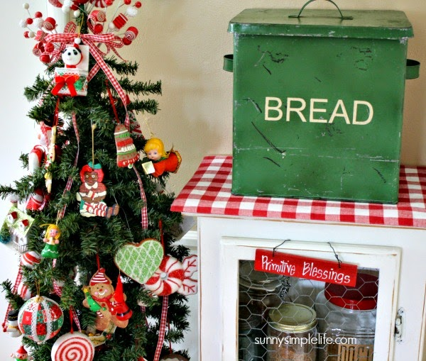 kitchen Christmas tree, vintage bread box