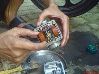 Penyebab Dan Cara Mengatasi Karburator Banjir