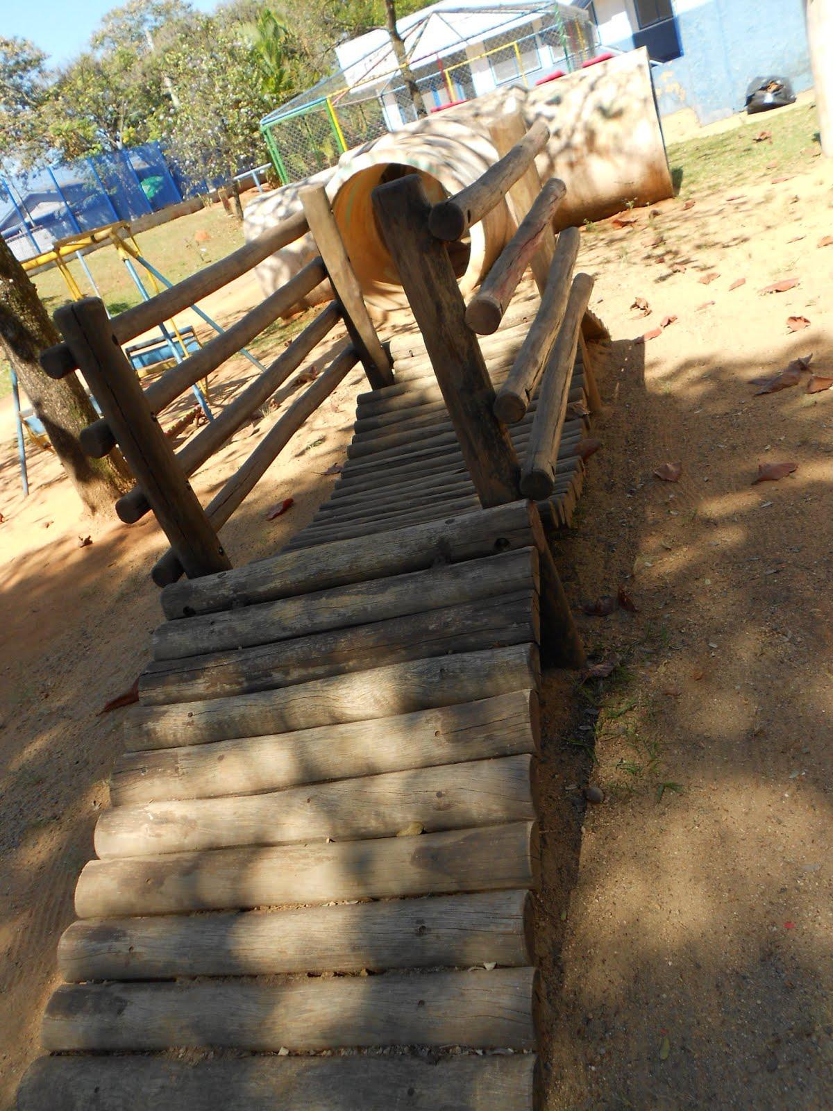 Pontinha de madeira da cemei