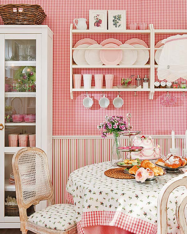 decoracao cozinha fofa:Pink Cottage Dining Room
